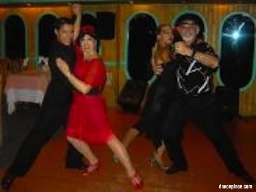 Tango Caminito Dance School