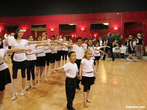 I Dance 2 Ballroom DanceSport Studio