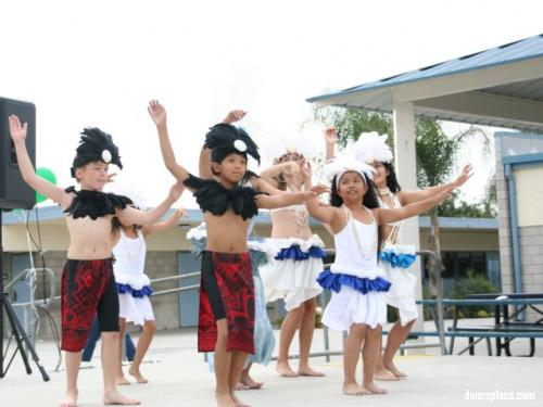 Pacific Island Dancers
