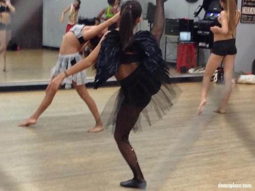 Dellos Dance & Performing Arts