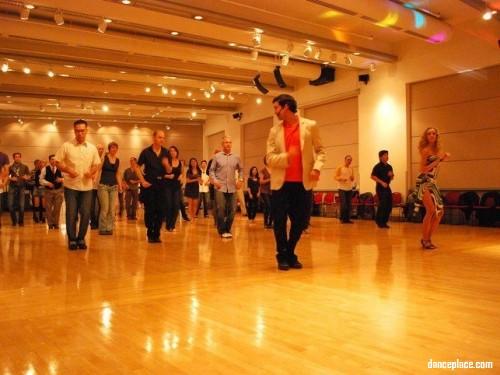 Dance 4U