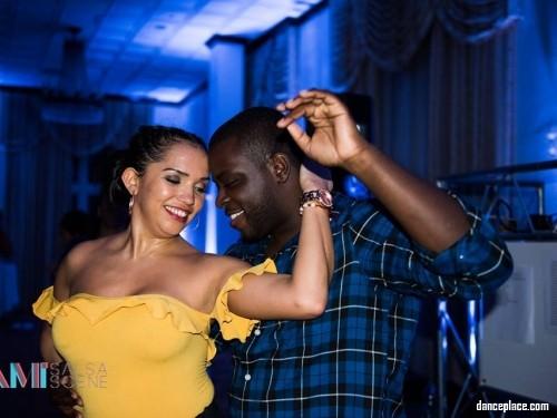 Bachateando Miami Dance Festival