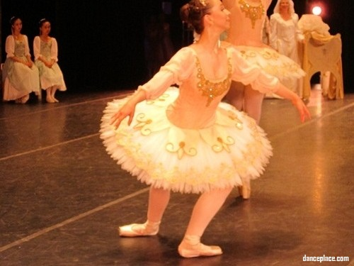 Yen-Li Chen Ballet School